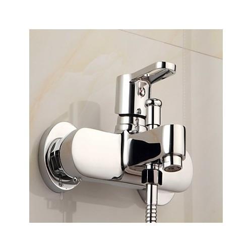 robinet de baignoire finition chrome contemporaine avec. Black Bedroom Furniture Sets. Home Design Ideas